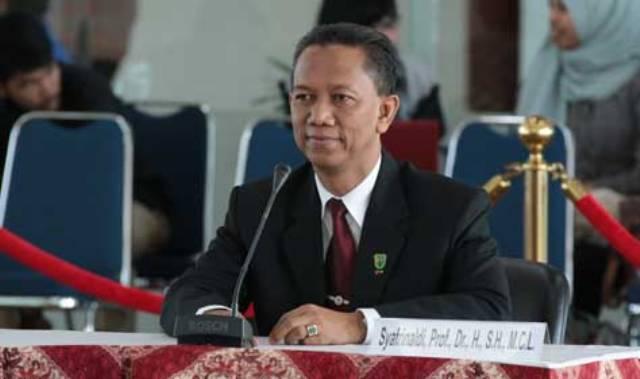 Unggul 12 Suara, Pemilihan Rektor UIR Dimenangkan Prof Syafrinaldi