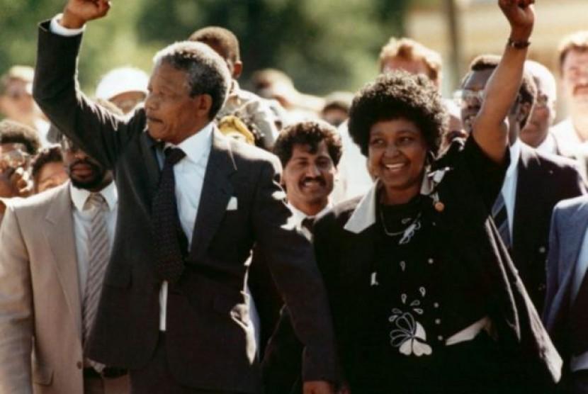 Istri Mendiang Nelson Mandela Wafat