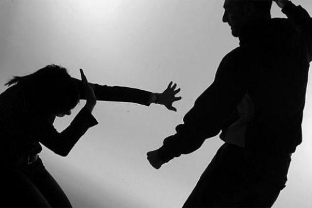 Dipaksa Pulang, Suami Naik Pitam Lalu Pukuli Istri