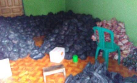 Panwas Kampar Temukan Ratusan Paket Sembako Dari Sebuah Rumah
