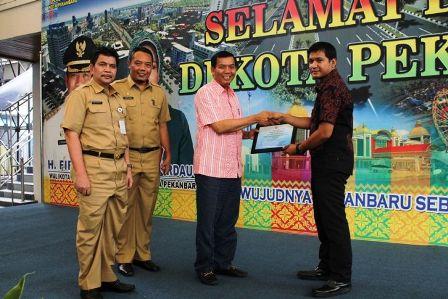 Walikota Pekanbaru Komitmen Dukung Pedagang Agar Dapat KUR