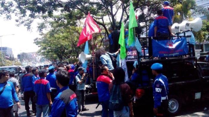 Krisis Ekonomi Global, 100.000 Pekerja Indonesia Bersiap-siaplah untuk di-PHK