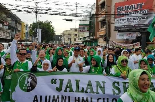 Ribuan Peserta Ikuti Gerak Jalan Santai Pada Penutupan Munas KAHMI di Medan