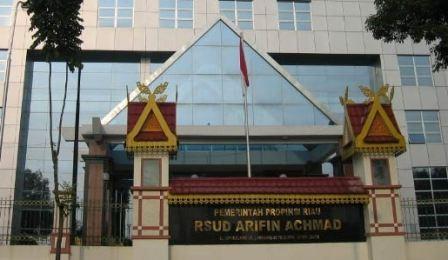 Gubernur Riau Meresmikan Penggunaan Gedung Instalasi Kanker RSUD Arifin Achmad