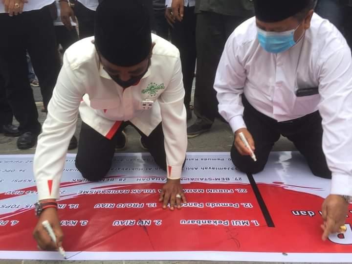 Pro-kontra Prof ILIYAS HUSTI tolak kedatangan imam besar FPI HRS ke Riau