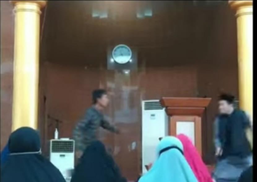 MUI: Bongkar Aktor Intelektual Penyerangan Ustadz