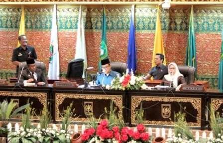 Ketuk Palu APBD Riau 2018 Ditunda, Ini Penyebabnya