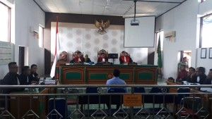 Terdakwa Politik Uang Nur Azmi Divonis Bebas