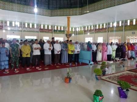 Acara Tablig Akbar di Lubuk Batu Jaya, Yulisman Janji Perjuangkan Pembangunan Kampung Halaman Inhu