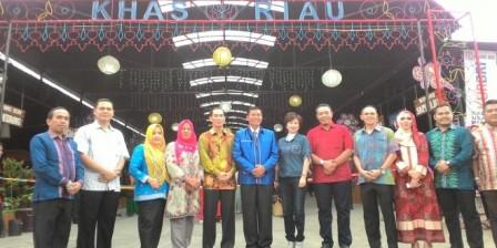 Komitmen Walikota  Dalam Mendukung Usaha Mikro Kecil dan Menengah (UMKM) di Pekanbaru