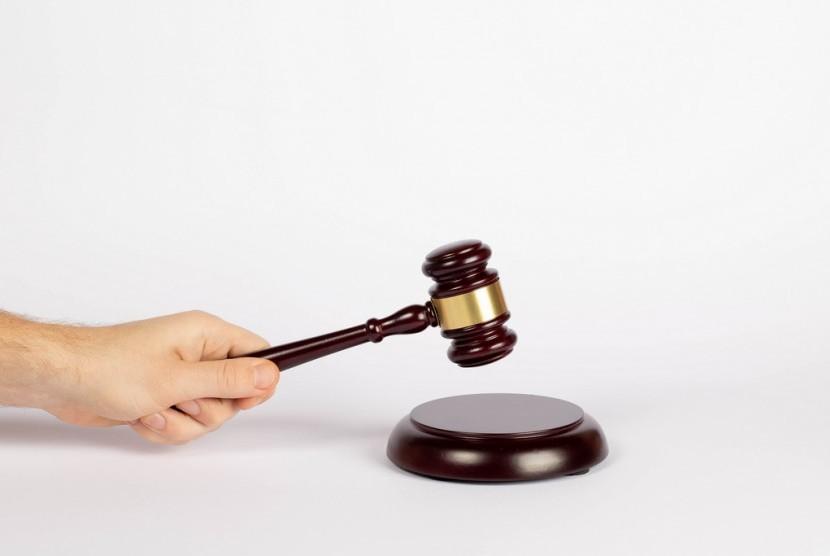 Larangan Mengasihani Orang yang Dijatuhi Hukuman Jika Salah