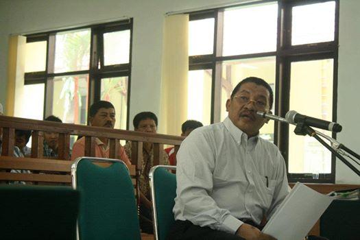 Polda Riau Periksa Tengku Azmun Jaafar Mantan Bupati Pelalawan Selama Enam Jam