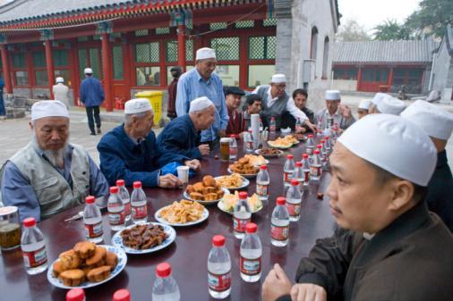 Larangan Puasa dan Pembatasan Kegiatan Keagamaan di Cina, Langgar HAM INTERNASIONAL