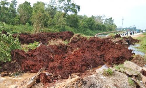 Jalan Nasional di Riau Amblas Sedang Dalam Perbaikan