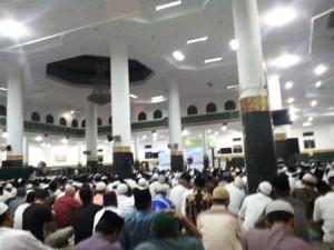 Jemaah 'Banjiri' Masjid Raya An Nur Pekanbaru Memperingati Nuzul Quran
