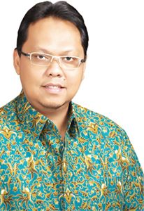 Lukman Edy Anggota DPR RI Asal Riau Sebut Bencana Asap seperti Genosida