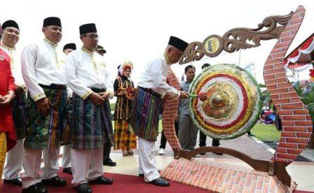 Pemprov akan Bersinergi Memajukan Sektor Wisata Pacu Jalur Kuansing