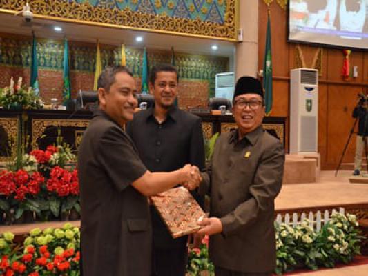 Waka DPRD Riau Akui Belum Terima Surat Pengunduran Diri Gubri