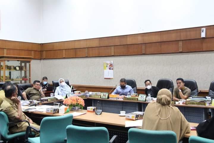 Kemunculan H. Sari Antoni SH di Kantor DPRD Provinsi Riau Tidak Menutup Sangsi Berat