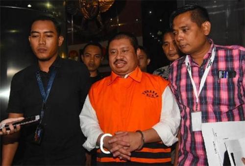 KPK Perpanjang Masa Penahanan Mantan Bupati Bengkalis Amril Mukminin